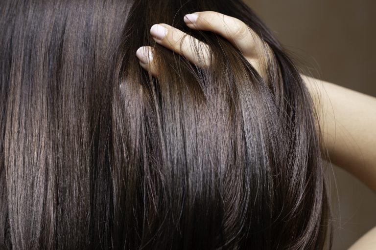 Comment se lisser les cheveux sans les abîmer ?